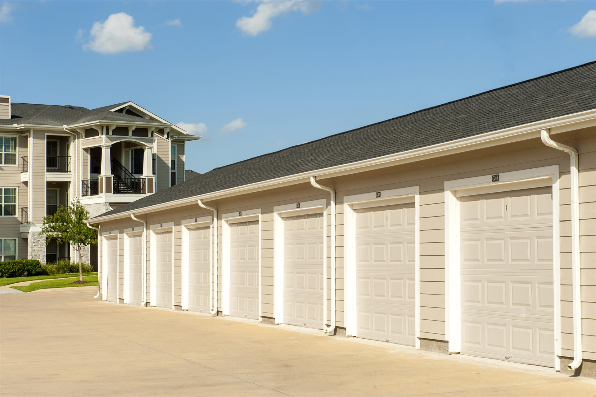 Detached Garages at Camden Northpointe