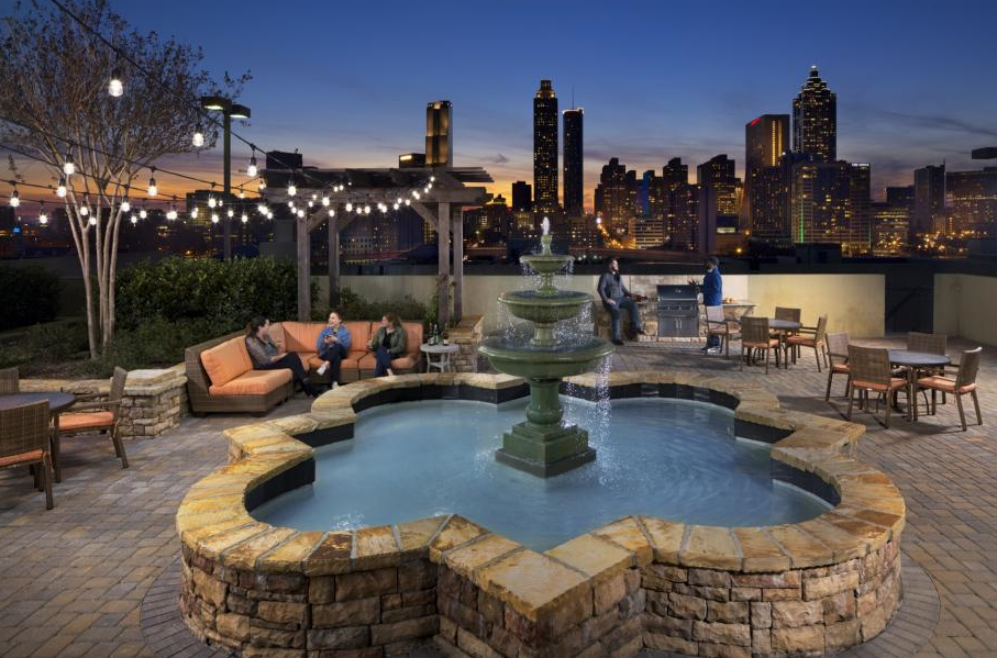 camden-vantage-atlanta-skyline-rooftop deck