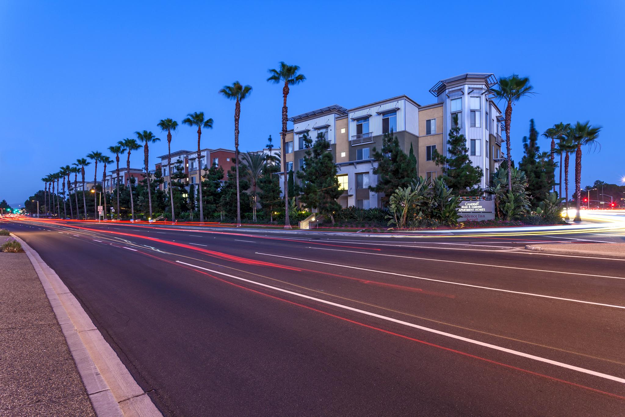 Low In e Apartments Irvine