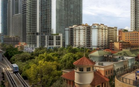 Camden Brickell Apartments in Downtown Miami, FL