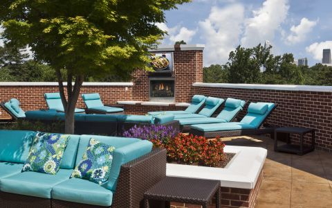 Outdoor Rooftop Lounge at Camden Dilworth Apartments in Charlotte, NC