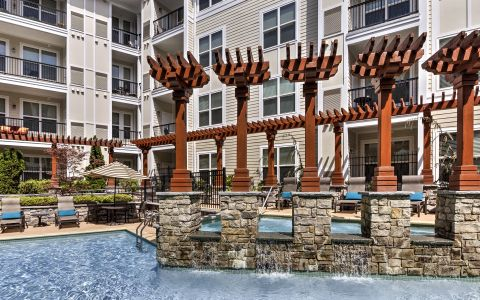 Camden Dulles Station Apartments In Herndon, Virginia