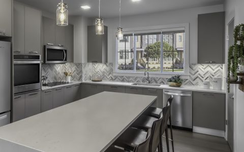 Camden-Grandview-Townhomes-Charlotte-NC-Kitchen