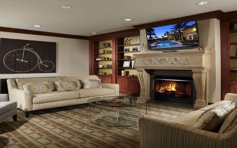 Residence Lounge at Camden Largo Town Center