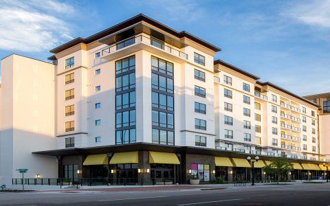 Camden North Quarter apartments in Orlando, FL exterior
