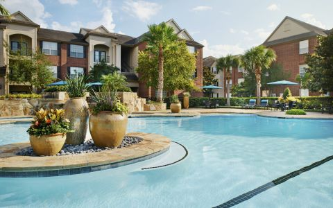 Swimming Pool at Camden Oak Crest Apartments in Houston, Texas