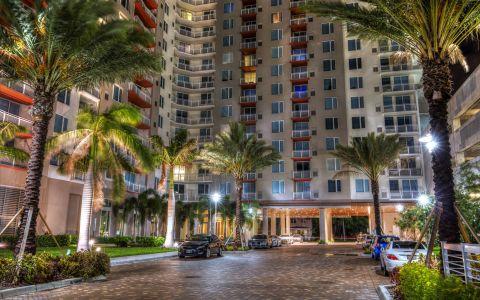 Camden Pier District Apartments in St. Petersburg, FL