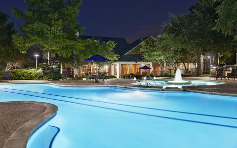 Camden Stoneleigh Apartment Pool in Austin Texas