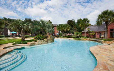 Camden Sugar Grove Apartments in Stafford, TX