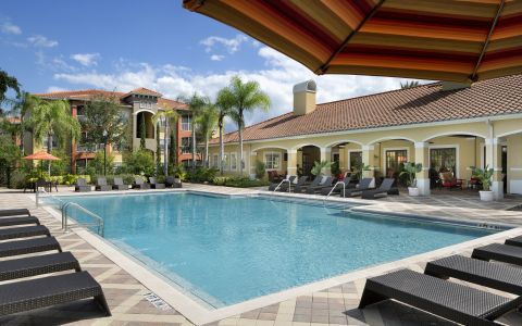 Camden Visconti Luxury Apartments in Brandon, Florida