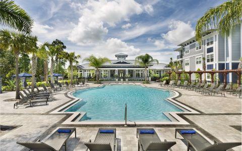 Camden Waterford Lakes Apartments in Orlando, Florida