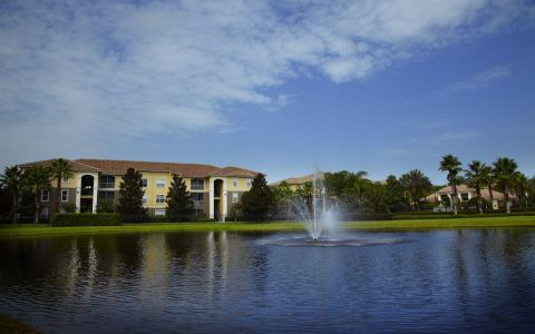 Camden World Gateway Apartments in Orlando, Florida