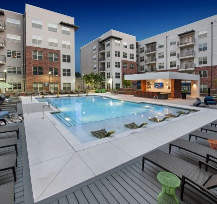 Camden Buckhead Square Apartments in Buckhead, Atlanta, GA pool