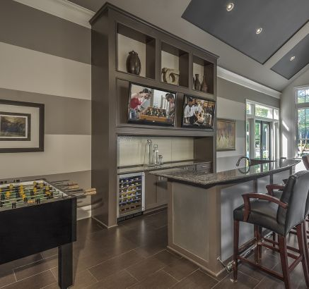 Resident Lounge Kitchen at Camden Fallsgrove Apartments in Rockville, MD