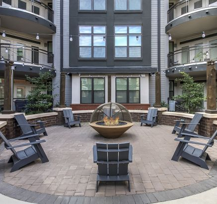 Outdoor Fire Pit Lounge at Camden Gallery Apartments in Charlotte, NC
