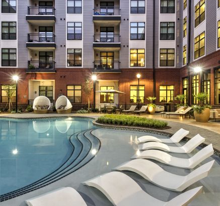Pool at Camden Gallery Apartments in Charlotte, NC