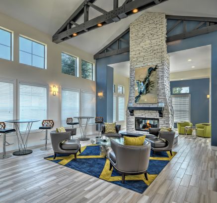 Resident Lounge at Camden Highlands Ridge in Apartments in Highlands Ranch, CO