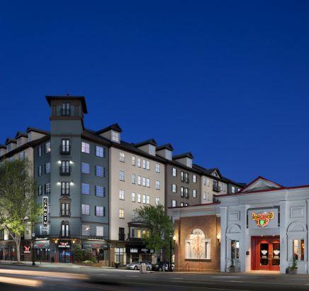 Courtyard at Camden Midtown Atlanta Apartments in Atlanta, GA