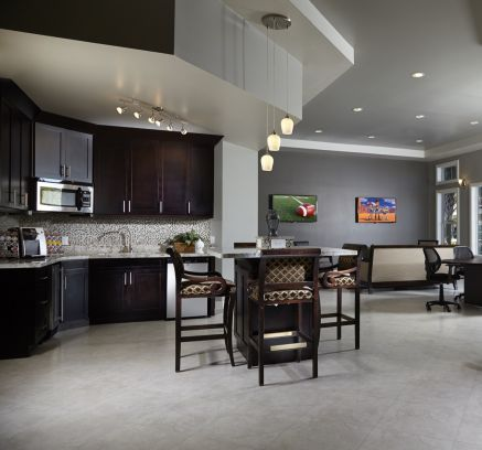 Resident Lounge at Camden Plantation Apartments in Plantation, FL