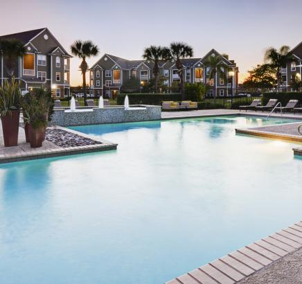 Pool at Camden South Bay Apartments in Corpus Christi, TX