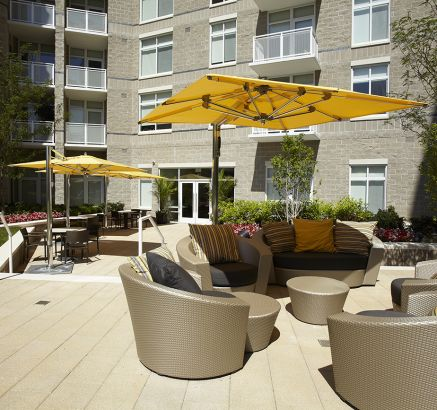 Courtyard Lounge at Camden South Capitol Apartments in Washington, DC