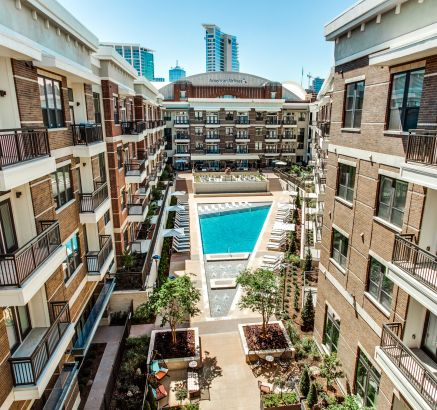 Huge Pool Courtyard at Camden Victory Park Apartments in Dallas, TX