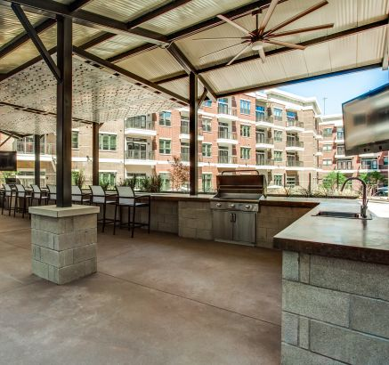 Poolside Grilling Area at Camden Victory Park Apartments in Dallas, TX