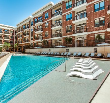 Luxury Pool at Camden Victory Park Apartments in Dallas, TX