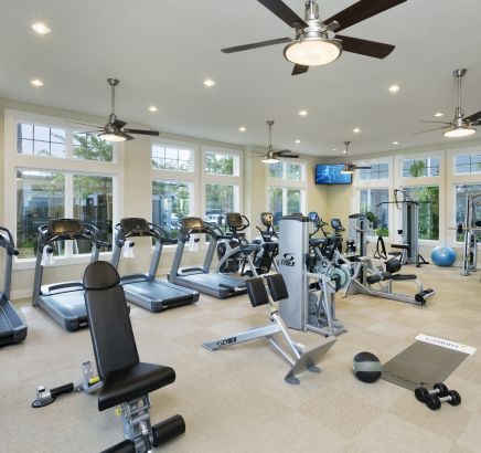 Apartments for rent in orlando fl camden waterford lakes for 3 bedroom apartments near ucf