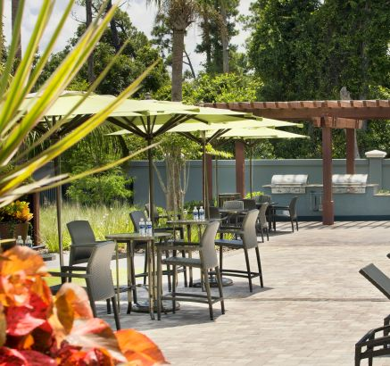 Outdoor Grill Pavilion at Camden Waterford Lakes Apartments in Orlando, FL