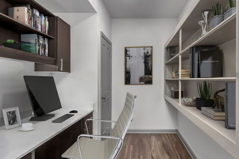 Home office space at Camden Asbury Village Apartments in Raleigh, NC