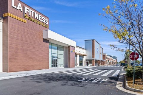 Neighborhood LA Fitness