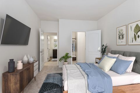 Spacious bedroom at Camden Ashburn Farm Apartments in Ashburn, VA