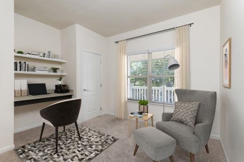 Home office space at Camden Ashburn Farm Apartments in Ashburn, VA