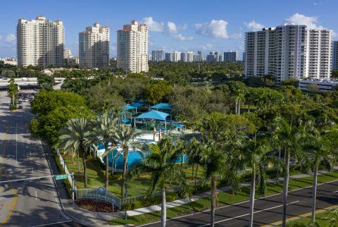 Founders Park Near Camden Aventura Apartments in Aventura, FL