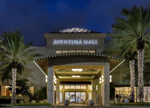Aventura Mall Near Camden Aventura Apartments in Aventura, FL