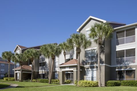 Exterior of Building at Camden Bay Apartments in Tampa, FL