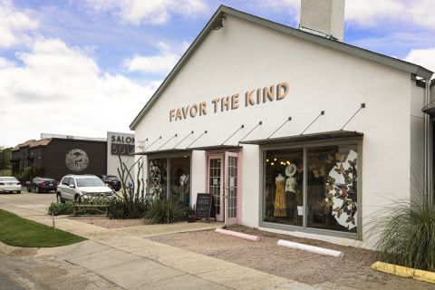 Local boutique shopping near Camden Belmont Apartments in Dallas, TX