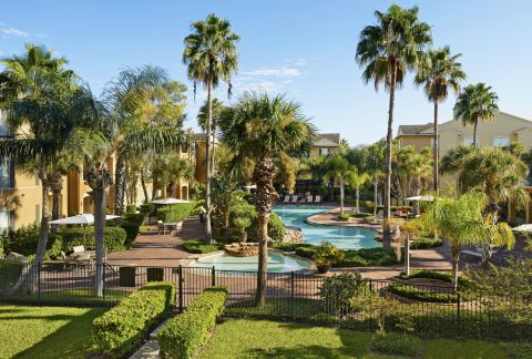 Resort-style Pool at Camden Breakers Apartments in Corpus Christi, TX