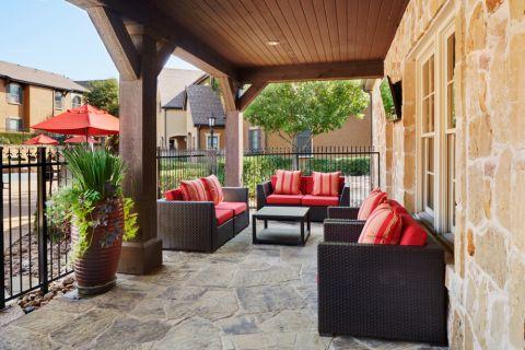 Community Patio at Camden Brushy Creek Apartments in Cedar Park, TX