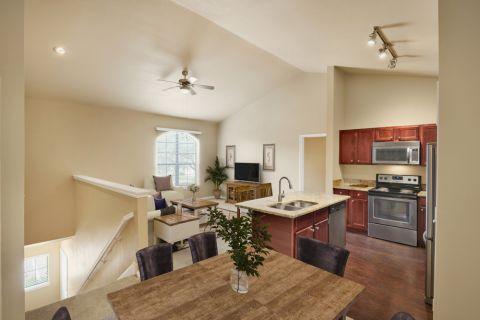 Top Floor Dining Room at Camden Brushy Creek Apartments in Cedar Park, TX