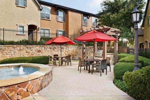 Grill Area at Camden Brushy Creek Apartments in Cedar Park, TX