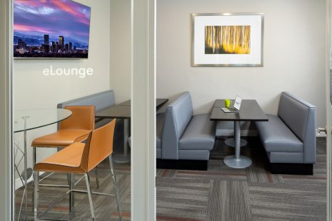 ELounge at Camden Caley Apartments in Englewood, CO