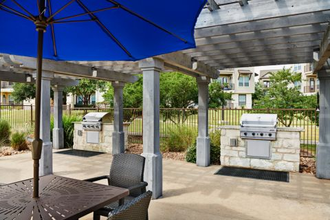 BBQ Grills and Outdoor Dining at Camden Cedar Hills Apartments in Austin, TX
