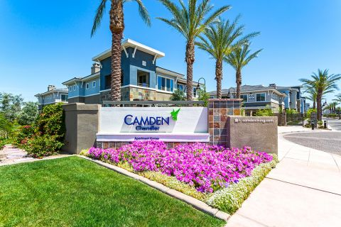 Monument sign at entrance of Camden Chandler Apartments