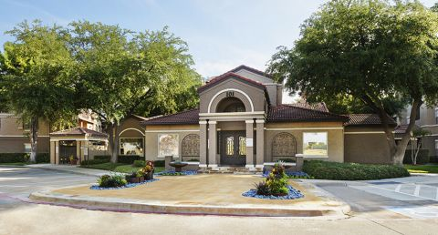 Exterior of Leasing Office at Camden Cimarron Apartments in Irving, TX