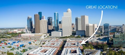Great Location near Downtown at Camden City Centre Apartments in Houston, TX