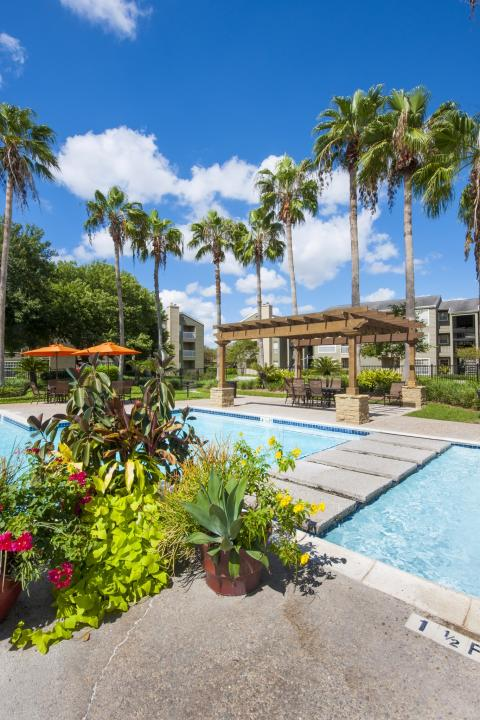 Resort-style Pool with Pergola at Camden Copper Ridge Apartments in Corpus Christi, TX