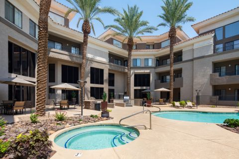 Swimming Pool and Hot Tub at Camden Copper Square Apartments in Phoenix, AZ