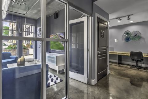 Community Workspace at Camden Cotton Mills Apartments in Charlotte, NC